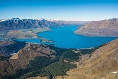昆斯敦和瓦卡蒂普湖,新西兰看法  免版税库存图片