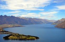 昆斯敦山和湖风景看法  库存照片