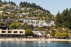 昆斯敦,新西兰沙滩  免版税库存照片