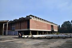昌迪加尔,印度- 2015年1月4日:旅游参观政府博物馆和美术画廊在昌迪加尔,印度 免版税库存图片