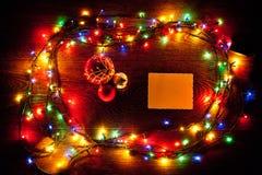 明亮和美丽,电圣诞节诗歌选和纸片 免版税库存照片