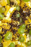明亮和水多的果子健康沙拉的混合 免版税库存照片