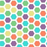 明亮的与绿色,紫罗兰色,黄色,红色和深蓝颜色的颜色六角形无缝的样式 免版税库存照片