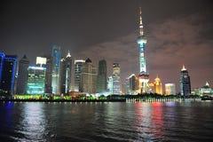 明亮的东方珍珠putong上海传输 库存照片