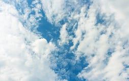 明亮的云彩 免版税库存图片