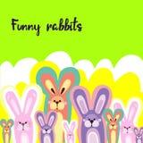 明亮的儿童` s背景用多彩多姿的兔子 免版税库存照片