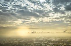 明亮的天空或蓝色与许多云彩 免版税图库摄影