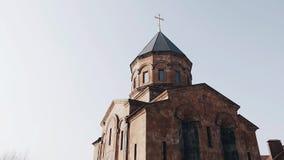 明亮的天空背景的大美丽的基督教会  影视素材