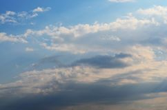 明亮的天空 免版税库存图片
