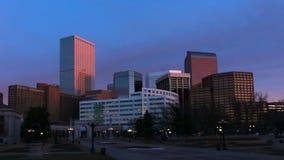 明亮的太阳的丹佛摩天大楼 股票视频