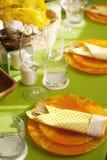 明亮的春天桌设置 免版税库存图片