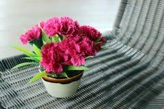 明亮的桃红色花束花 免版税图库摄影
