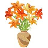 明亮的橙色和黄色百合大花束在一个棕色陶瓷花瓶的 库存例证