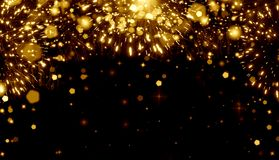 明亮的欢乐背景金子,烟花,假日,乐趣,幸福,圣诞节,党,生日,毕业,夜,香槟浪花,闪烁, 库存例证