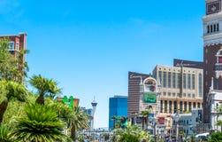 明亮的欢乐赌博娱乐场和旅馆大厦在拉斯维加斯 吸引力小条街道 las内华达维加斯 免版税库存照片