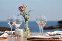 明亮的正餐午餐表 免版税库存照片
