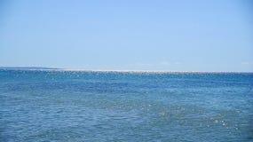 明亮的水表面背景 免版税库存照片