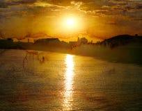 明亮的海日落的照片 免版税库存图片
