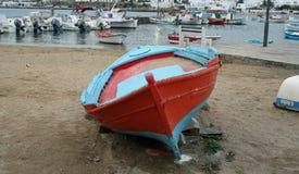 明亮的渔船 免版税库存图片