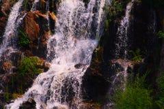 明亮的瀑布 库存图片