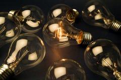 明亮的电灯泡光 免版税库存图片
