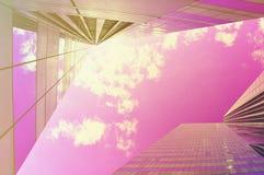明亮的经济展望 晴朗花花公子块现代的办公室 库存图片