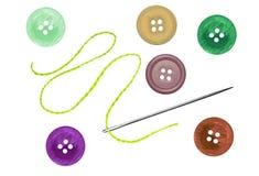 明亮的缝合的按钮和针与在白色隔绝的螺纹 库存例证
