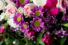 明亮的花美丽的花束关闭  免版税库存照片