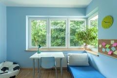 明亮的蓝色室 库存图片