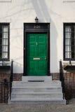 明亮的门绿色 免版税库存照片
