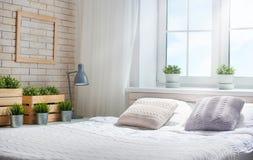 明亮的颜色的卧室 库存图片