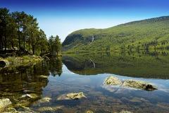 明亮的Mountain湖 图库摄影
