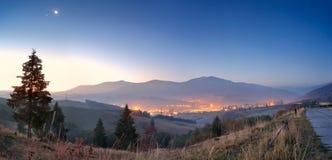 黎明在Volovets 图库摄影