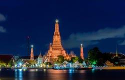 黎明寺在晚上,曼谷,泰国 图库摄影