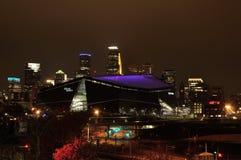 明尼苏达维京人美国银行体育场在米尼亚波尼斯在晚上,站点超级杯52 免版税图库摄影