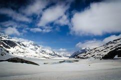 从明确的Bernina的高正视图 免版税图库摄影