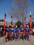 明代服装的战士在坟茔公平在北京 免版税库存照片