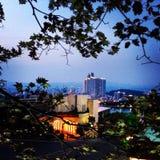 黄昏在一个亚洲城市 库存图片