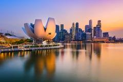 黄昏新加坡地平线 免版税库存照片