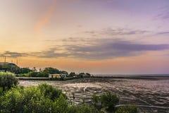黄昏的一个渔村 库存照片