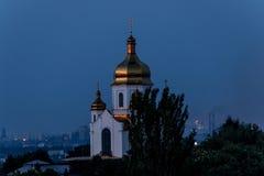 黄昏的教会 库存照片