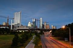 黄昏的街市奥斯汀得克萨斯 免版税库存图片