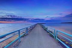 黄昏的颜色在伊利湖 库存图片
