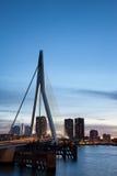 黄昏的鹿特丹市 库存图片