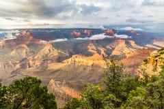 黄昏的,亚利桑那,美国大峡谷国家公园 免版税库存图片