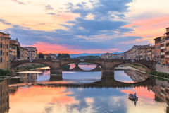 黄昏的,佛罗伦萨,意大利阿尔诺河 库存图片