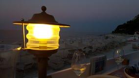 黄昏视图在波多诺伏海边 库存照片