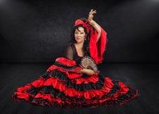 易上镜头的西班牙舞蹈家坐阶段 库存图片