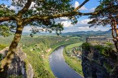 易北河鸟瞰图在撒克逊人的瑞士国家公园,德国 免版税库存图片