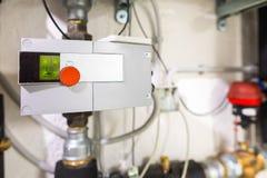 易变的有红色按钮的速度管线泵 免版税图库摄影